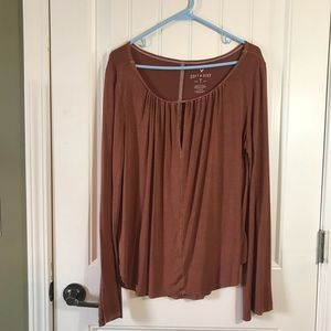 American Eagle Soft and Sexy T keyhole neck